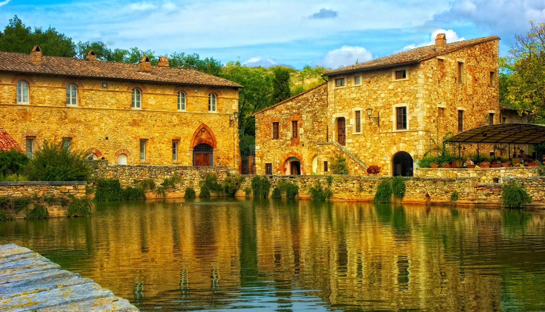 Nei dintorni agriturismo le rondinelle valiano di montepulciano siena toscana camere - Agriturismo bagno vignoni ...