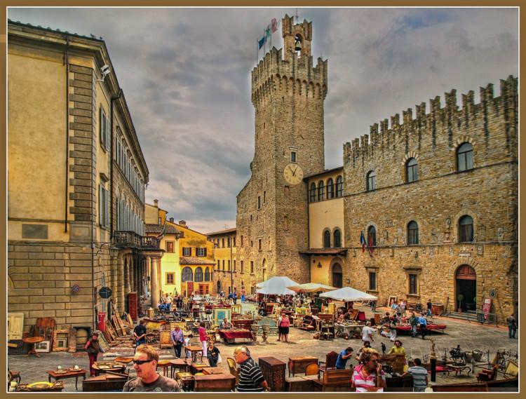 Arezzo, mercato d'antiquariato
