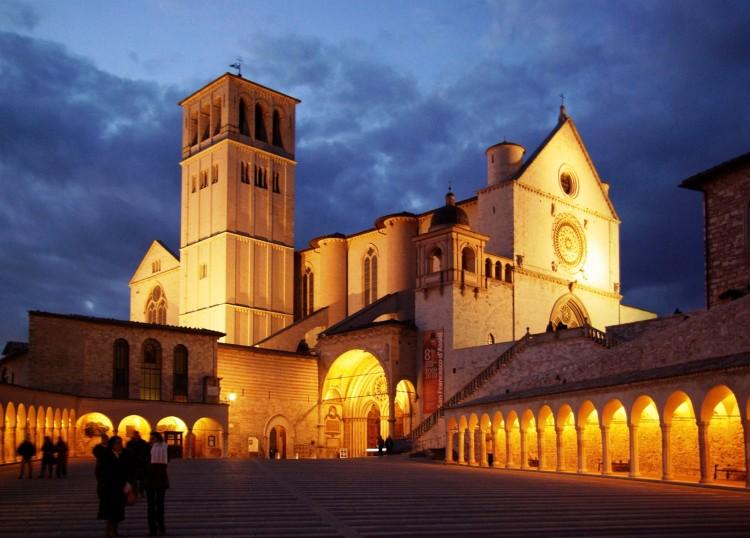 Assisi, San Francesco, notte