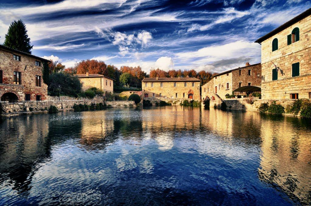 Nei dintorni agriturismo le rondinelle valiano di montepulciano siena toscana camere - Agriturismo bagno vignoni terme ...