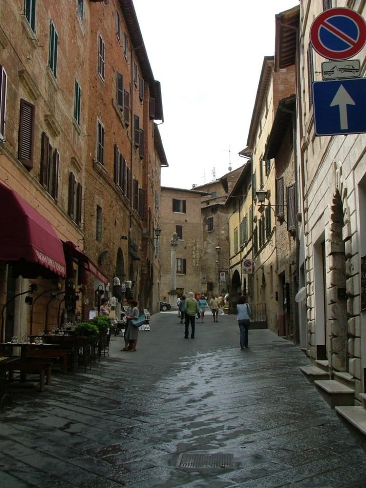 Montepulciano, il corso