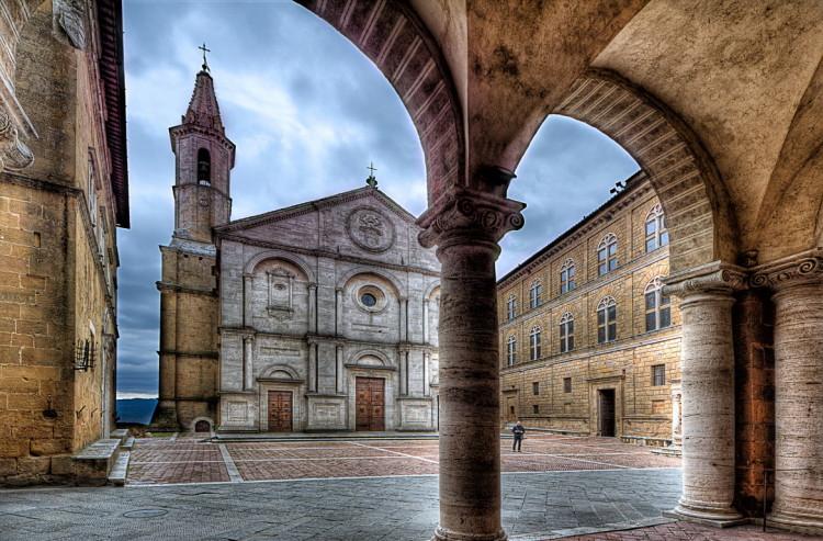 Pienza, archi sul Duomo