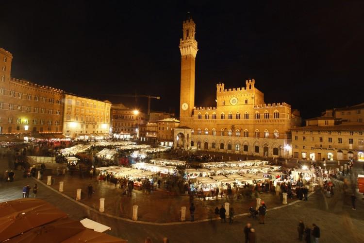 Siena, mercato del campo
