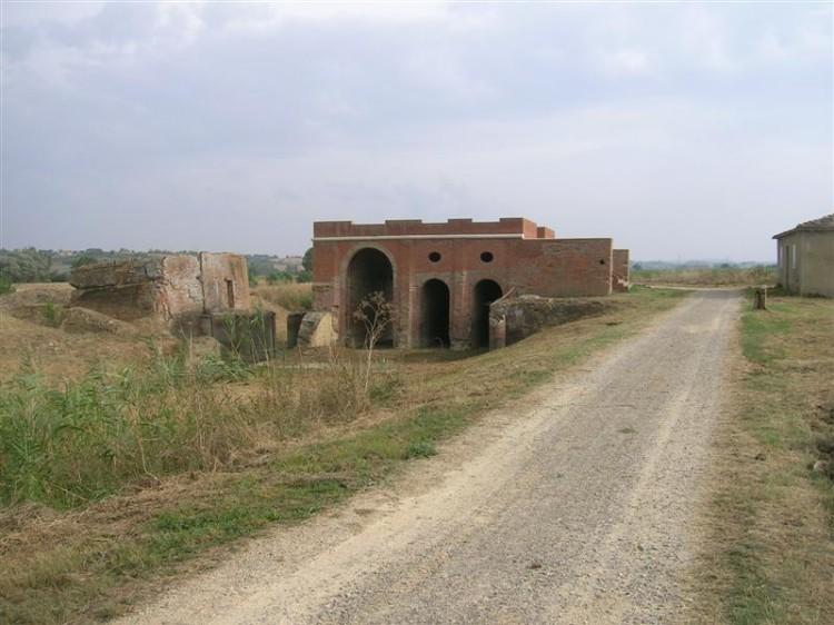 Valiano, sentiero della Bonifica, il Callone